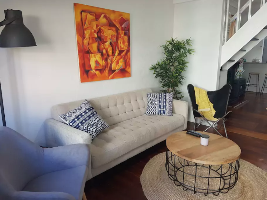 Awesome Local Airbnb That surely Arent Just For  : Screen Shot 2017 10 18 at 112534 am from newcastlelive.com.au size 852 x 637 png 723kB
