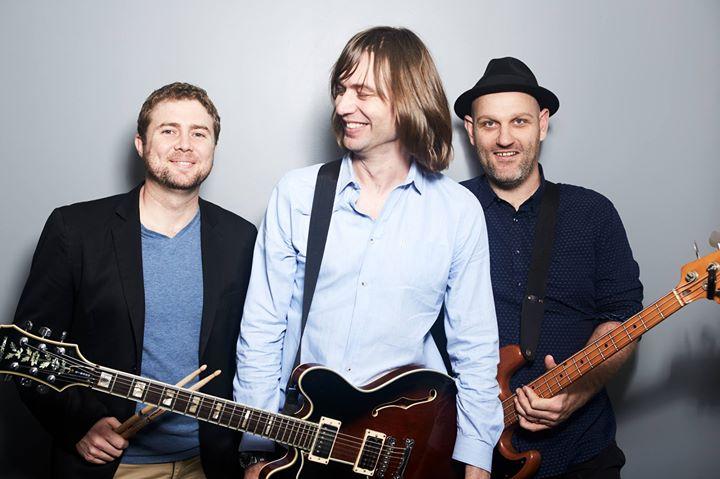 Mark Wells Trio live at Honeysuckle Hotel