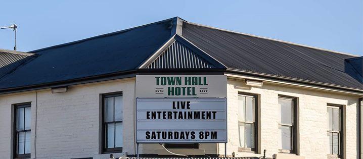 Jackson Halliday // The Townie