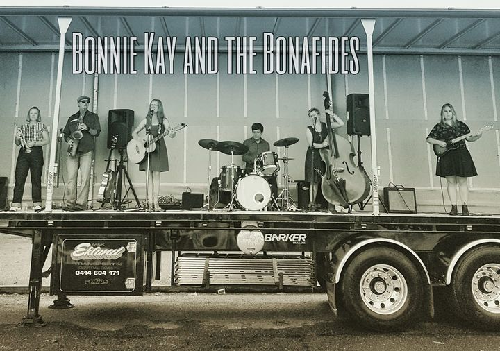 Bonnie Kay and the Bonafides live in the Hunter Valley