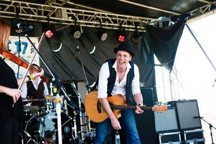 Bobby C – Live at Pedens Hotel, Cessnock