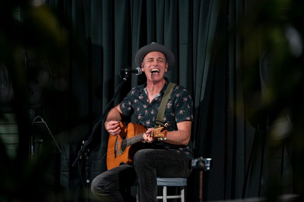 Bobby C – Live at The Regal Inn, Tenambit